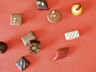 チョコと赤の写真・画像素材[1758646]