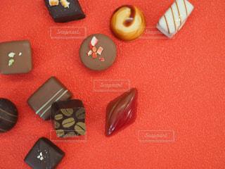 チョコとレッドの写真・画像素材[1758649]