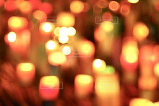 ろうそくの灯りの写真・画像素材[2485398]