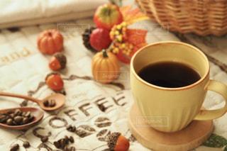秋のコーヒーブレイクの写真・画像素材[2492060]