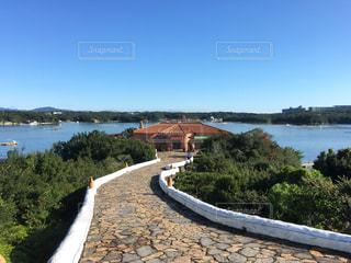 水の体の上の橋の写真・画像素材[1018245]