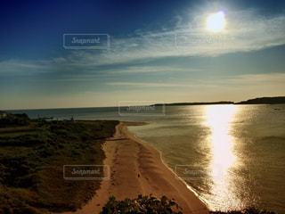 ビーチの夕景の写真・画像素材[1019031]