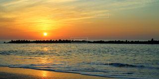 夕陽の写真の写真・画像素材[1041153]