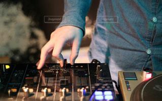 DJの手の写真・画像素材[1041438]