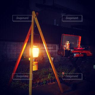 夜の赤い光の写真・画像素材[1020427]