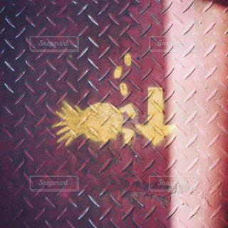 歩くパイナップルの写真・画像素材[1020431]