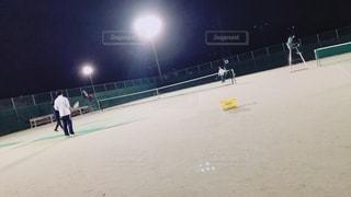 テニスの最中の写真・画像素材[1021915]