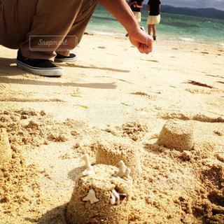 砂浜デートの写真・画像素材[1022060]