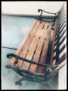 アンティーク調のベンチの写真・画像素材[1050624]
