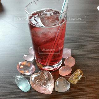 ピンクな飲み物の写真・画像素材[1070164]
