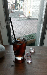 カフェの窓辺での写真・画像素材[1498995]