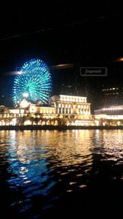 夜はライトアップ ボートの写真・画像素材[1787112]