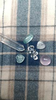 テーブルにガラスの瓶のグループの写真・画像素材[1787276]