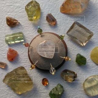 天然石まち針イエローの写真・画像素材[2127632]