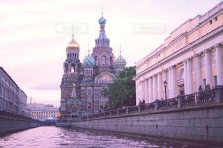 川から眺める血の上の救世主教会の写真・画像素材[1022840]