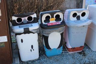 鳥模様のゴミ箱の写真・画像素材[1024985]