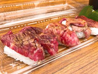 野外で肉寿司の写真・画像素材[1646027]