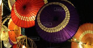 カラフルな傘の写真・画像素材[1027769]