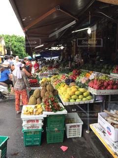ホイアン旧市街のマーケット - No.1025625