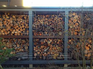 薪小屋の写真・画像素材[1027095]