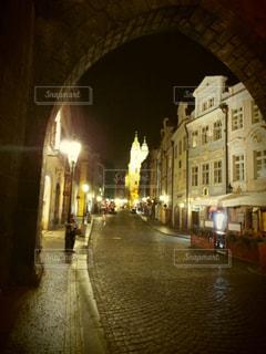 チェコの夜の街の写真・画像素材[1026926]