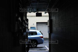 路地裏から見るカイルアの写真・画像素材[1028329]