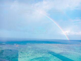 海の上から虹の写真・画像素材[1029098]