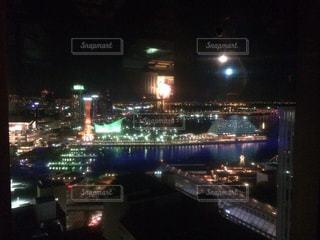 夜の街の景色の写真・画像素材[1031633]