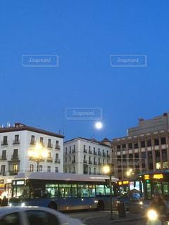 マドリードの満月の夜の写真・画像素材[1030079]