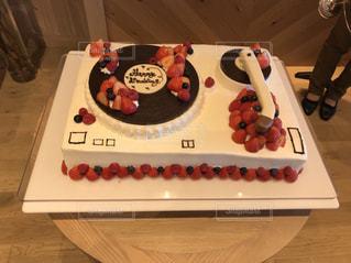 ターンテーブル型のウエディングケーキの写真・画像素材[1124313]