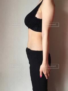 痩せ型の女性の写真・画像素材[1154910]