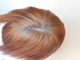 茶髪の女性 上アングルの写真・画像素材[1163281]