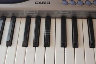 電子ピアノのキーボードの写真・画像素材[1425011]