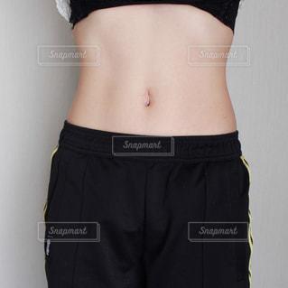 ダイエット中の女性の写真・画像素材[1509471]