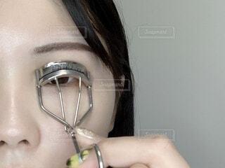 目元のクローズアップの写真・画像素材[4105212]