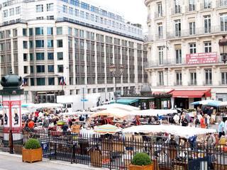 パリの蚤の市の写真・画像素材[1033160]