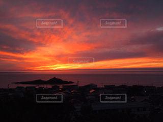 沈む夕日の写真・画像素材[1035207]