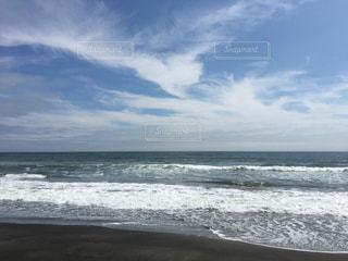 鳥の形をした雲の写真・画像素材[1030832]