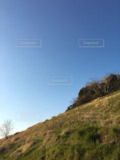 近所の丘の絶景の写真・画像素材[1052786]