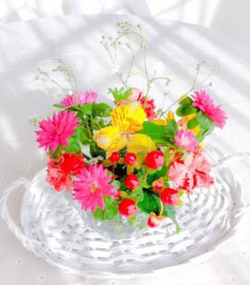 テーブルの花の写真・画像素材[1858504]