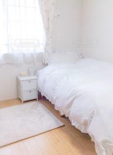ベッドルームの写真・画像素材[3329637]