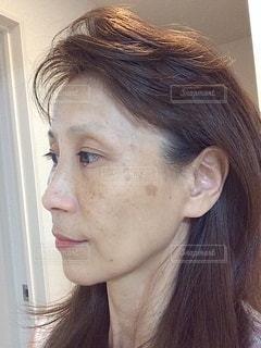 横顔の女性の写真・画像素材[3503469]