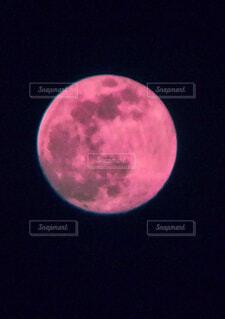 月のクローズアップの写真・画像素材[4588958]