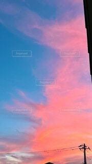 空に夕焼けの写真・画像素材[4696791]