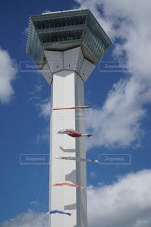 空を飛んでいる飛行機 - No.1042898
