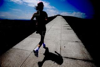 女性の走りの写真・画像素材[1044856]