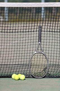 テニスラケットの写真・画像素材[1045109]