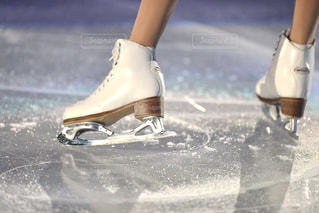 フィギュアスケートの靴の写真・画像素材[1045861]
