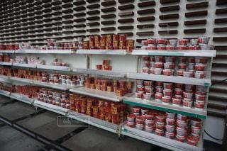 食品が多く満ちたストアの写真・画像素材[1049138]