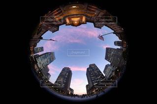 大きな鏡のビューの写真・画像素材[1263913]
